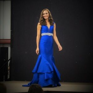 Cobalt Blue Fitted mermaid prom / pageant dress!